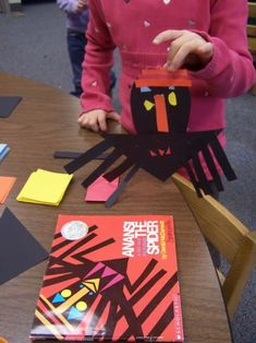 Sommerville, his LEGS start with Ll! While making our Ll word list this morning, I asked the Stars to. African Art Projects, African Crafts, Trickster Tales, Spider Crafts, 2nd Grade Art, First Grade Reading, Africa Art, Kindergarten Art, Preschool Crafts