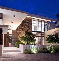 South Island Residence / KZ Architecture - Golden Beach, Florida http://www.arquitexs.com/2014/01/casa-de-lujo-en-golden-beach-florida.html