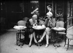 Women sitting at a café terrace in Paris about 1925. Photo Maurice-Louis Branger