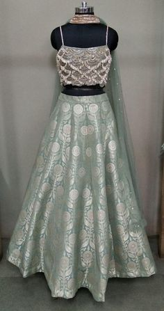 End to End Customization with Hand Embroidery & beautiful Zardosi Art by Expert & Experienced Artist That reflect in Blouse , Lehenga & Sarees Designer creativity that will sunshine You & your Party. Indian Fashion Dresses, Indian Bridal Outfits, Indian Gowns Dresses, Dress Indian Style, Indian Designer Outfits, Designer Dresses, Indian Designers, Indian Blouse, Designer Wear