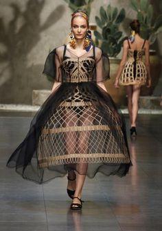 Dolce&Gabbana abito con paglia intrecciata e tulle