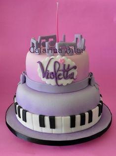 Para quem gosta de bolo: Violetta
