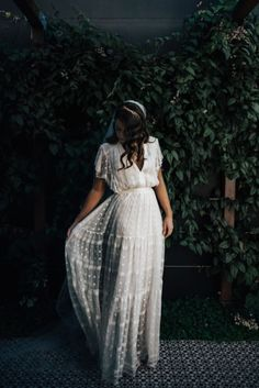 Can be worn as a wedding gown and can a. Can be worn as a wedding gown and can also rock any dressy … boho inspired dress. Can be worn as a wedding gown and can also rock any dressy occasion. Affordable Wedding Dresses, Alternative Wedding Dresses, Boho Bride, Hippie Bride, Boho Hippie, Boho Dress, Bohemian Dresses, Dress Lace, Bohemian Fashion