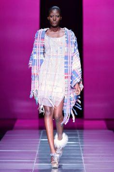 "Mercedes-Benz Fashion Week Africa 2013 – Samsung Marianne Fassler & Quamta present ""Pincushions"" African Print Clothing, African Print Fashion, Africa Fashion, Tribal Fashion, African Prints, Couture Fashion, Fashion Show, Fashion Design, Mercedes Benz"