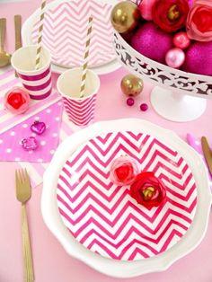 Party Box Nouvel An Girly en Rose - Kits de fête ou boîtes prêtes pour anniversaire ou sweet tables ou célébration en famille