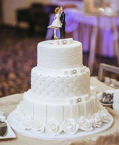 Indescribable Your Wedding Cakes Ideas. Exhilarating Your Wedding Cakes Ideas. Bling Wedding Cakes, Floral Wedding Cakes, White Wedding Cakes, Elegant Wedding Cakes, Wedding Cakes With Flowers, Wedding Cake Designs, Wedding Cake Toppers, Amazing Wedding Cakes, Beautiful Cakes