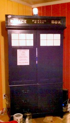 TARDIS tv cabinet!  the light's flash and it's so much prettier than person :)