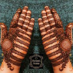 Henna Tattoo Designs Simple, Latest Bridal Mehndi Designs, Full Hand Mehndi Designs, Henna Art Designs, Mehndi Designs For Beginners, Mehndi Designs For Girls, Dulhan Mehndi Designs, Latest Mehndi Designs, Mehndi Designs For Hands