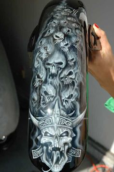 Motorcycle Painting Jobs Skulls Ideas For 2019 Custom Motorcycle Paint Jobs, Custom Paint Jobs, Motorcycle Art, Bike Art, Skull Artwork, Skull Painting, Air Brush Painting, Airbrush Art, Airbrush Designs