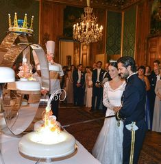 Prince Carl Philip married Sofia Hellqvist in a gorgeous wedding at the Royal Palace of Stockholm in Sweden on Saturday. Prince Carl Philip, Prince William, William Kate, Princess Sofia Of Sweden, Princess Victoria Of Sweden, Royal Brides, Royal Weddings, Princess Diana Wedding, Princess Mary