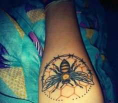 My #forearm #tattoo #bee #honeycomb #blackballcrewtattoo #sãopaulo #brazil #brasil