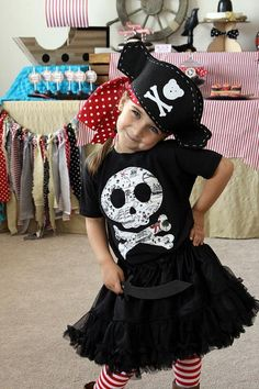 Pirate Party: Arghh you ready for a Buccaneer Bash? Pirate Party: Arghh you ready for a Buccaneer Bash? Today, I'm sharing this super fun Pirate Party. Check out all our Pirate Party ideas! Pirate Costume Couple, Diy Pirate Costume For Kids, Diy Girls Costumes, Homemade Pirate Costumes, Pirate Kids, Pirate Halloween Costumes, Pirate Crafts, Pirate Birthday, Pirate Theme