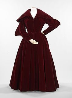 Evening coat by Charles James, 1949 US, the Met Museum
