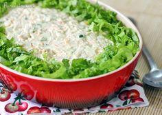 Salpicão de Frango ~1 peito de frango;1 cenoura;1/2 xicara de salsão;pimentão;uva passa;1 maçã verde;maionese;mostarda;batata PANELATERAPIA - Blog de Culinária, Gastronomia e Receitas