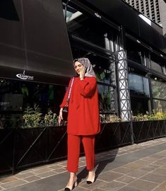 Modern Hijab Fashion, Muslim Women Fashion, Hijab Fashion Inspiration, Modest Fashion, Fashion Outfits, Casual Hijab Outfit, Hijab Chic, Hijab Jeans, Mode Kimono