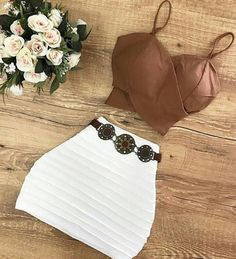 Top court marron et mini jupe blanche - Cute Summer Outfits, Cute Casual Outfits, Sexy Outfits, Pretty Outfits, Stylish Outfits, Girl Outfits, Teen Fashion Outfits, Womens Fashion, Teenager Outfits
