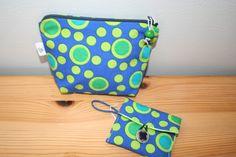 ensemble de 2 pochettes en tissu à pois vert et bleu doublée : Trousses par belleanna