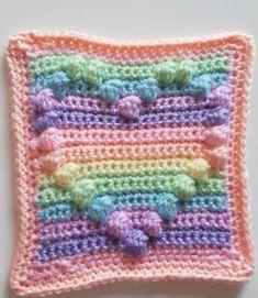 Ravelry: Rainbow Bobble Heart - free crochet square pattern from Cutecrochetmakes Baby Afghan Crochet Patterns, Bobble Crochet, Crochet Square Blanket, Crochet Quilt, Granny Square Crochet Pattern, Crochet Squares, Baby Blanket Crochet, Granny Squares, Crochet Blankets