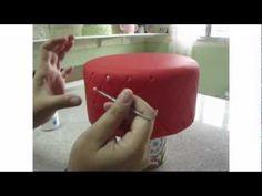 Fazendo losangos no bolo cenográfico de biscuit.mpg - YouTube