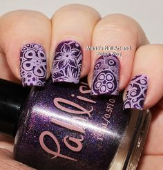 The base is Pahlish Pride stamped with Moyra 19 light pink, plate Flowers-01, stamper Fab Ur Nails Jumbo Stamper.