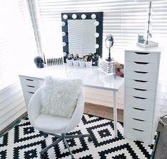 Imagem de room, makeup, and home