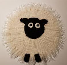 Ravelry: Sitteunderlag Sau pattern by Lene Noteng Ravelry, Dream Catcher, Crochet Hats, Pattern, Baby, Amigurumi, Tejidos, Knitting Hats, Dreamcatchers