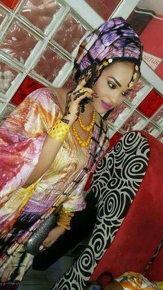Malian Fashion bazin #Malifashion #bazin #malianwomenarebeautiful… African Style, African Fashion, Fashion 2017, Womens Fashion, West Africa, Afro, Wedding Styles, Wedding Dresses, Celebrities