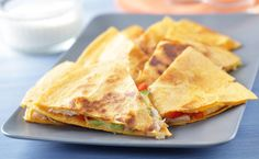 Gourmet chicken quesadillas are a great way to spice up your mealtime. You don't have to make a run for the border to get authentic Mexican cuisine with this great-tasting recipe. Epicure Recipes, Mexican Food Recipes, Cooking Recipes, Meal Recipes, Easy Cooking, Healthy Cooking, Cooking Time, Healthy Snacks, Dinner Recipes