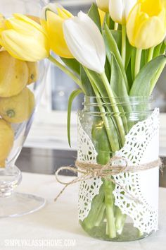 simply spring..../It doesn't have to be complicated or expensive, this simple setting is very pleasing.