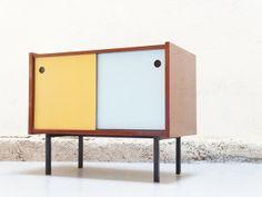 fa1e1236372 Vendu - Mini enfilade vintage de bureau années 60 dans le style pierre  guariche andré monpoix alain richard meuble bas design