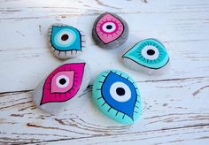 Eye Painting, Pebble Painting, Pebble Art, Stone Painting, Rock Painting, Rock Crafts, Diy And Crafts, Crafts For Kids, Arts And Crafts