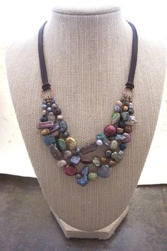 Multi Stranded Freshwater Pearl collana di dnajewelrydesigns