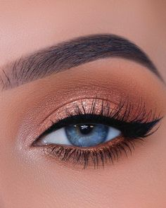 Would you wear this eyelook? YES OR NO 💞✨comment down below! It's actually my favorite go to eyelook 🙈you can find the tutorial on how to… Makeup Eye Looks, Beautiful Eye Makeup, Cute Makeup, Glam Makeup, Pretty Makeup, Skin Makeup, Eyeshadow Makeup, Matte Eye Makeup, Eye Makeup Steps