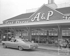 I have vague memories of going to an A&P grocery store growing up. Giant, Safeway and Murry's were my moms go to grocery stores back then, so to me they were the major chains. I was shocked to learn though, that the […] Photo Vintage, Vintage Ads, Vintage Stuff, Vintage Photos, Vintage Stores, Vintage Signs, Vintage Advertisements, Vintage Items, My Childhood Memories