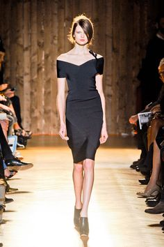 Roland Mouret's take on the LBD, http://fashionetc.com/fashion/collections/4962-roland-mouret-fall-2012-rtw