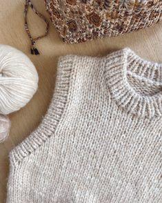Knitting Patterns Free, Free Knitting, Crochet Yarn, Knit Crochet, Big Yarn, Knit Vest Pattern, Mohair Yarn, Stockinette, Cast Off