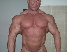 Bodybuilders Muscleworsip Legs