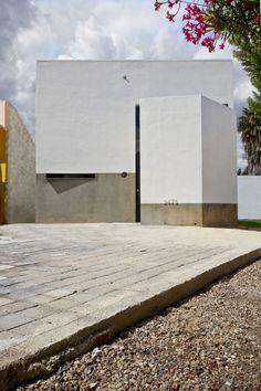 Casa De Los Bisabuelos / Jesus Davila Architects