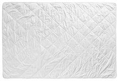 Das Steppbett aus dem Hause CENTA-STAR sorgt für eine angenehme Nachtruhe - gerade in den warmen Sommermonaten. Die hochwertige Längssteppung verhindert dabei, dass die Füllung aus 100 % Wildseide verrutschen kann. Der Bezug aus reiner Baumwolle gibt dem Innenmaterial einen sicheren Schutz. Zudem ist das Steppbett bis 40° C leicht waschbar!