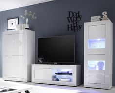 Compleet tv-wandmeubel Basic Gloss voorzien van LED verlichting uitgevoerd in de kleur Hoogglans wit