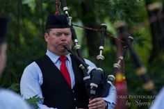 Tartan Power - Bagpipe competitions at the Highland Games