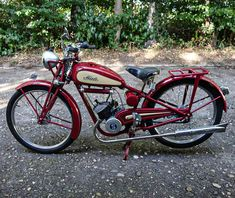 Powered Bicycle, Motorised Bike, Vintage Motorcycles, Custom Bikes, Mopeds, Old Motorcycles, Old Bikes, Bicycles, Cars