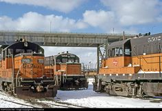 High quality photograph of Milwaukee Road EMD # MILW 998 at Milwaukee, Wisconsin, USA. Model Trains, Milwaukee Road, Milwaukee Wisconsin, Old Trains, Vintage Trains, Old Steam Train, Railroad Photography, Train Engines, Trains