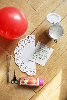 """Wie auch schon bei der OsterbloggerEI letztes Jahr, gibt es auch dieses Jahr wieder ausgefallene Osterdeko Ideen von Bloggern für euch zu entdecken. Den Anfang macht dieses Jahr philuko mit einem kreativen Osternest aus den beliebten Zutaten Tortenspitze und Neonpink. Die Schale würde auch wunderbar zu den Osterdeko Ideen unter dem Motto """"Ostern meets Neon"""" von katharinak passen :smile: Falls ihr noch mehr kreative Ideen von philuko entdecken möchtet, schaut doch mal in ihrem schöne..."""