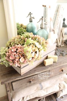 Shabby chic vintage...love these colors!