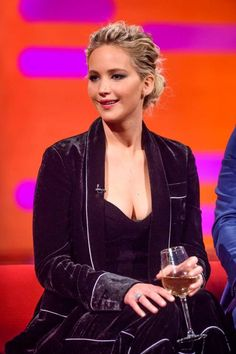 Jennifer Lawrence & Chris Pratt at The Graham Norton Show #TheGNShow #Passengers December 1
