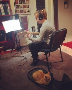 Pet the cat lended her support by keeping Kirsty's guitar case warm during her recording session this week :)