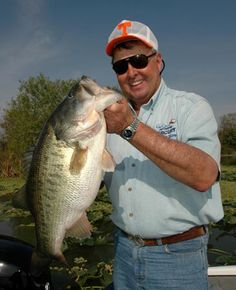 #BASS: King of #Bass_Fishing, Bill Dance - http://bassfishing.dunway.com/index.html