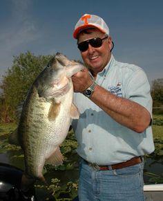 #BASS: King of #Bass_Fishing, Bill Dance - http://bassfishing.dunway.com/index.html