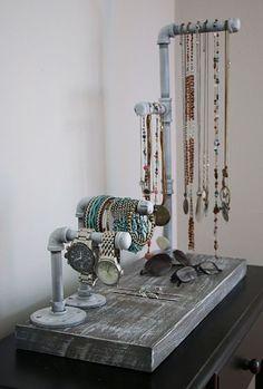 50+ DIY Jewelry Display Crafts #etsyJewelry #JewelryOrganizer #WoodCraftsJewelryDiy